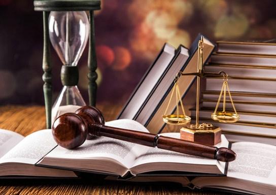 ВЕкатеринбурге большая конкуренция, поэтому юристы вынуждены постоянно повышать свою квалификацию, предлагать лучшие условия для клиентов, поддерживать разумные цены