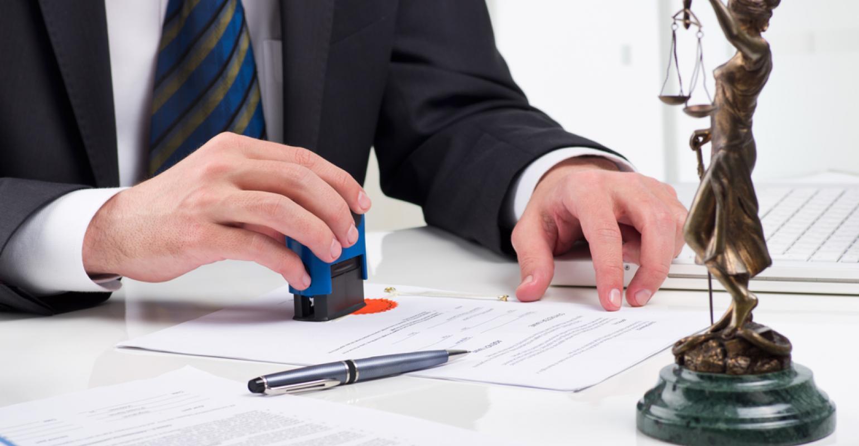 размер вознаграждения частного адвоката не зафиксирован и определяется исключительно соглашением сторон