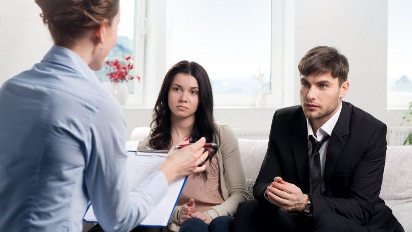 Развод - неприятное окончание супружеских обязанностей и ни в коем случае не приводит к депрессии и нервному срыву