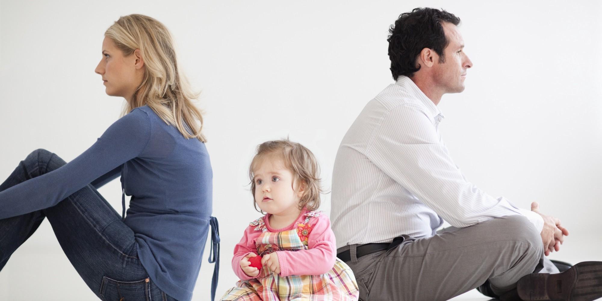 Суду нужно убедительно рассказать, почему истец считает, что брак распался и что мешает восстановить семью. Если муж и жена уже долго живут порознь, следует указать эти сроки